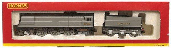 4011: Hornby R226 4-6-2 Battle of Britain No.21C164