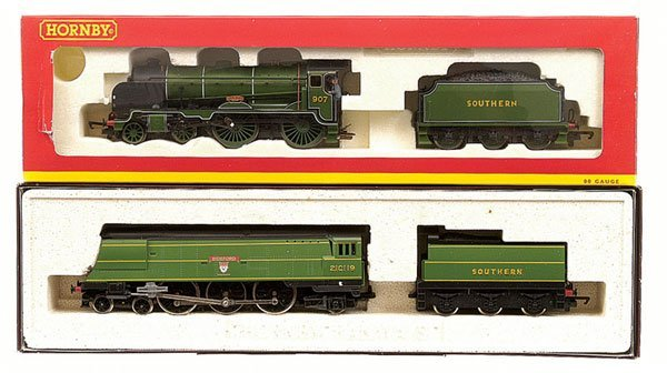 4017: Hornby - 2 x Southern Green Steam Locos