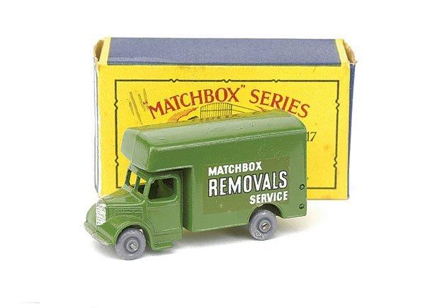 "9: No.17 Removals Truck ""Matchbox Removals Service"""