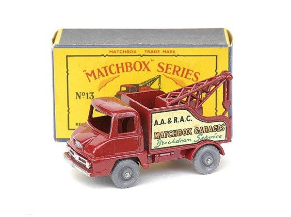 15: No.13 Thames Trader Wreck Truck