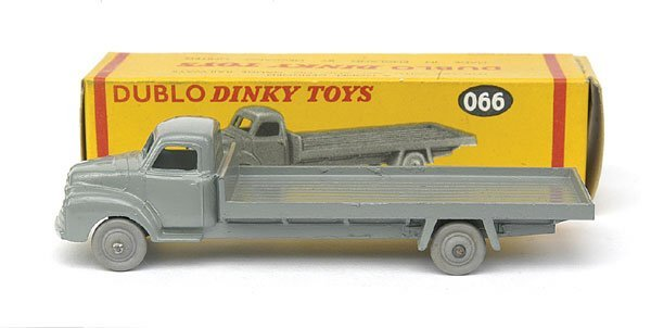 1004: No.066 Bedford Flat Truck