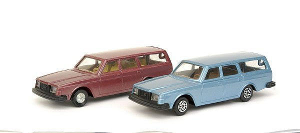 2021: A pair of Pre-production Volvo 122 Estate Cars