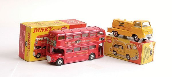 """1008: Dinky No.289 Routemaster Bus """"Tern Shirts"""""""