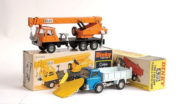1015: Dinky No.439 Ford D800 Snow Plough