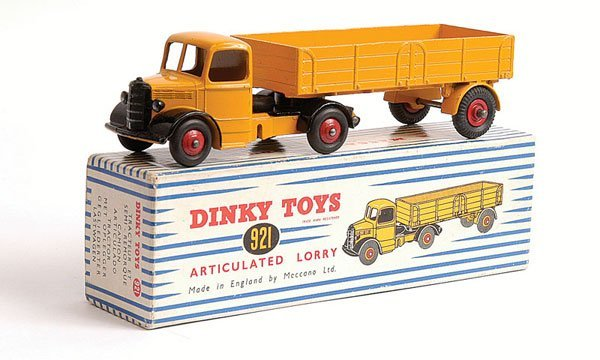 1016: Dinky No.921 Bedford Articulated Lorry