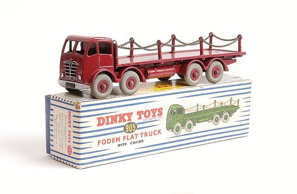 1023: Dinky No.905 Foden Flat Truck with Chains