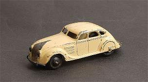 1392: Dinky - No.30A Chrysler Airflow Saloon