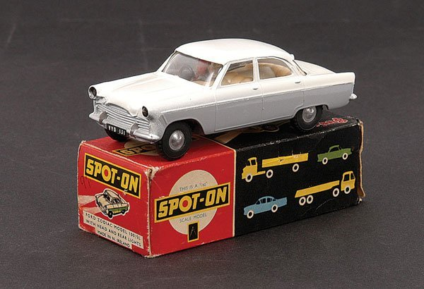2012: Spot-On - 100/SL Ford Zodiac with Lights