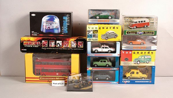 4672: A Mixed Group of Diecast Vehicles