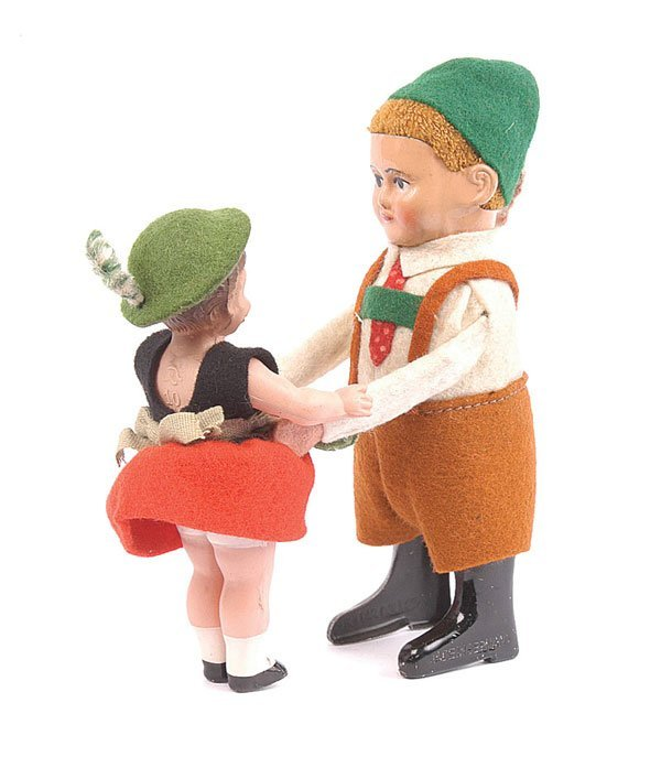 1020: Schuco - 973 Clockwork Bavarian Dancing Couple