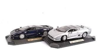 3794: Maisto Jaguar XJ220 - A Pair