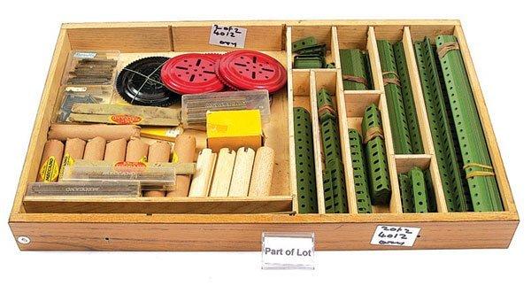 4012: Meccano Red & Green Components