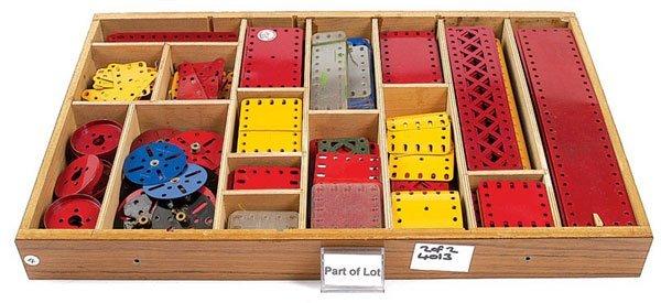 4013: Meccano Red & Green Components