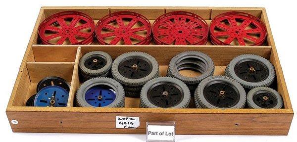 4014: Meccano - A Quantity of Red Components