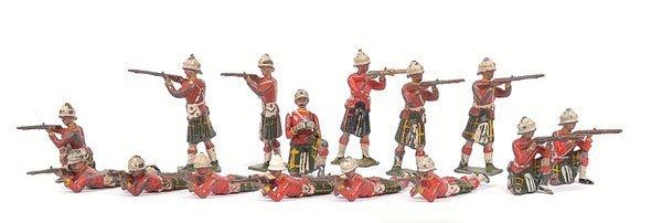 17: Britains - Highlander Figures