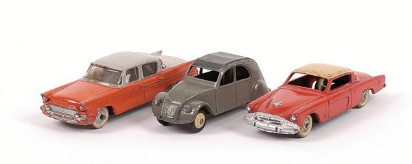 1001: Dinky - A Group of Unboxed Cars