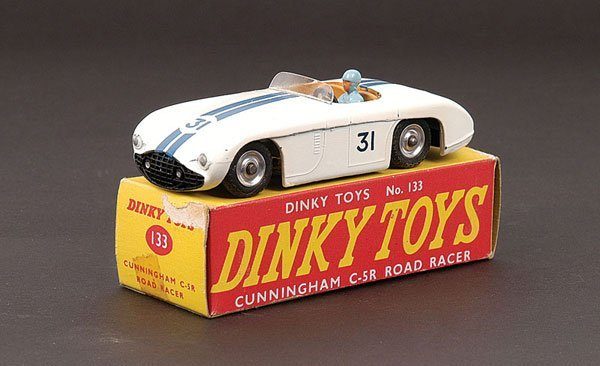 2018: Dinky - No.133 Cunningham Road Racer.