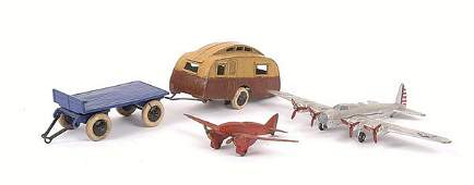 2604: Dinky - assorted Vehicles and Aircraft.