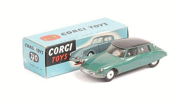 1002: Corgi - No.210 Citroen DS19
