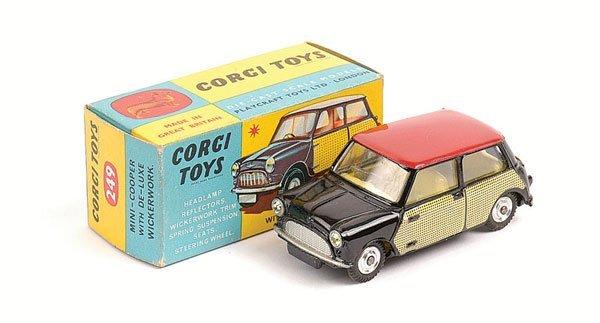 1018: Corgi No.249 Morris Mini Cooper