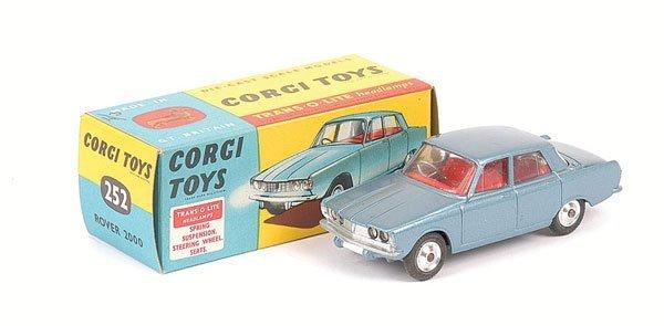 2019: Corgi No.252 Rover 2000