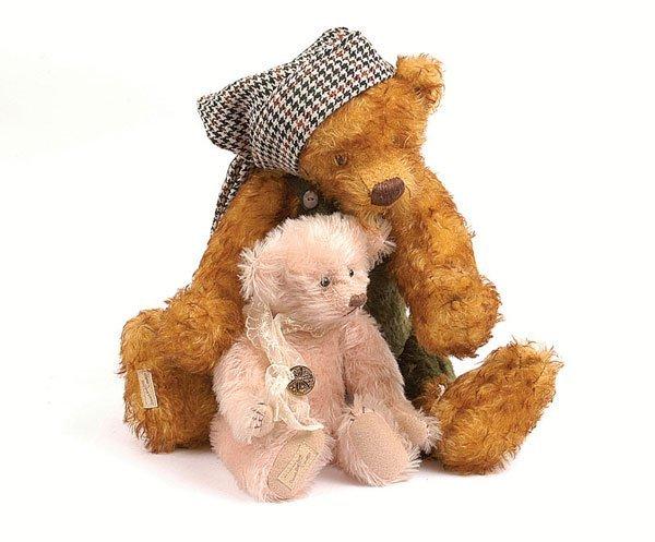 3001: Deans Rag Book 2 x Artist's Showcase Teddy Bears