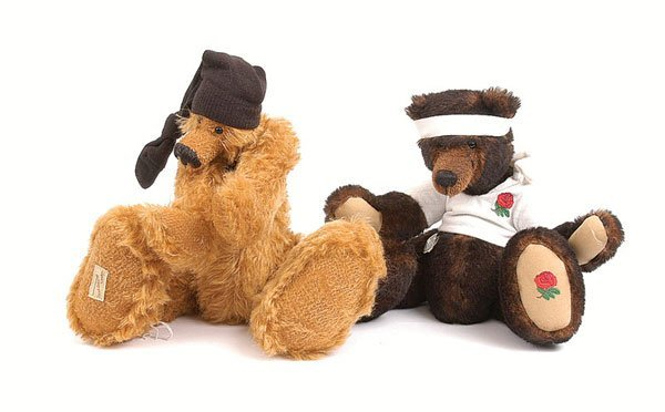 3004: Deans Rag Book 2 x Artists Showcase Teddy Bear's