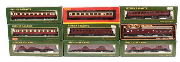 4017: OO Gauge - A Group of BR Passenger Rolling Stock