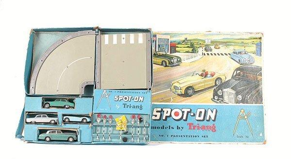 1018: Spot-on No.1 Presentation Set