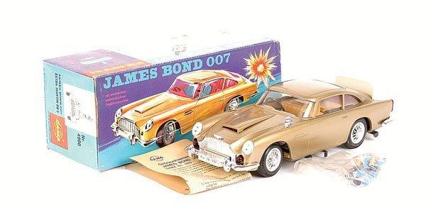 "2059: Gama ""James Bond 007"" Aston Martin DB5"