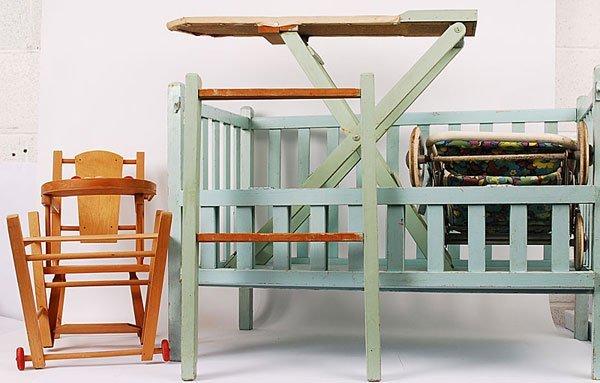 3009: Large Wooden Dolls Furniture
