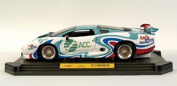 "4004: Maisto 1/12 scale Jaguar XJ220 ""ACC"""