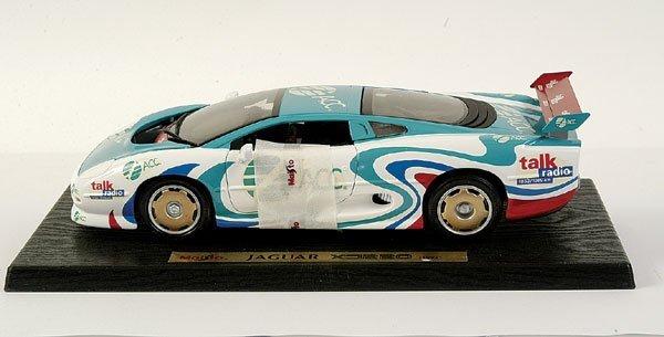 "4010: Maisto 1/18 scale Jaguar XJ220 ""ACC"""