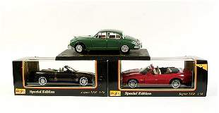 Maisto - a group of 9 1/18 scale Jaguars