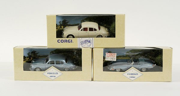 4016: Corgi - a group of more recent issue Jaguars