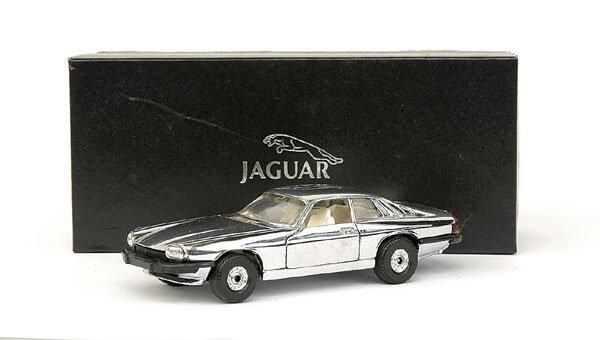 4022: Corgi Jaguar XJS