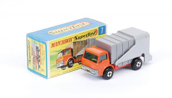 1016: Matchbox Superfast - No.7 Ford D800 Refuse Truck
