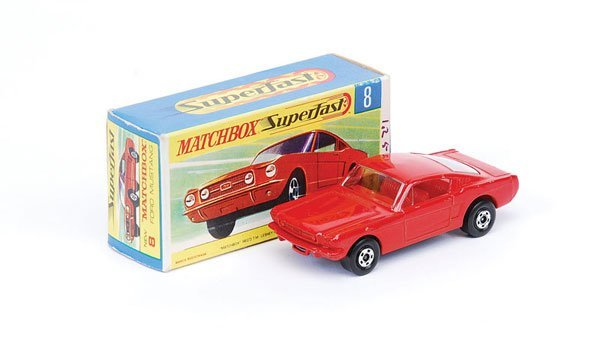 1021: Matchbox Superfast - No.8 Ford Mustang