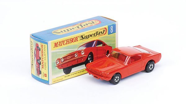 1022: Matchbox Superfast - No.8 Ford Mustang
