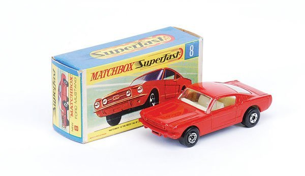 1023: Matchbox Superfast - No.8 Ford Mustang