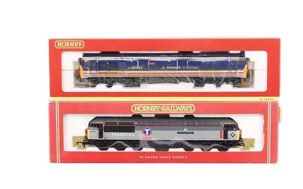 4003: Hornby (China) - A Pair of Co-Co Diesel Locos