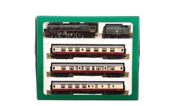 "4022: Hornby R2031 ""The Bristolian"" Train Pack"