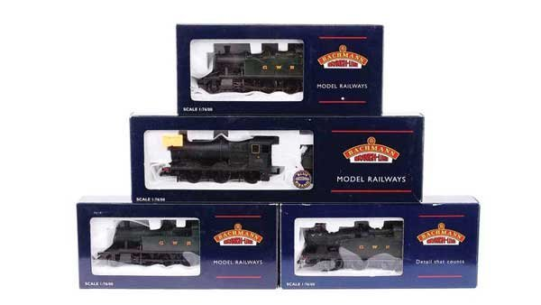 4085: Bachmann - A Group of GWR Green Steam Locos