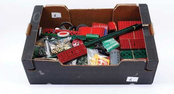 6: Meccano - Red and Green Components