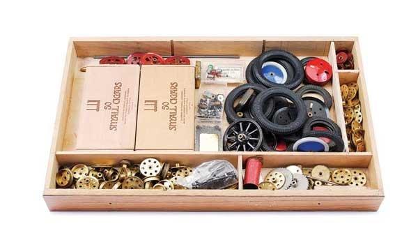 10: Meccano - A Quantity of Components
