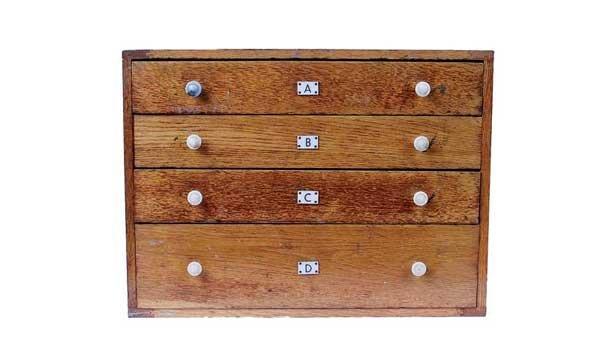 16: Bayko 4-drawer Dealers Cabinet