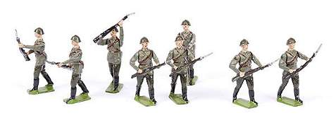 1567 Britains  Set 2032  Red Army Infantry