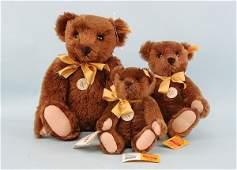 2216: Steiff - Three 1909 Classic Teddy bears