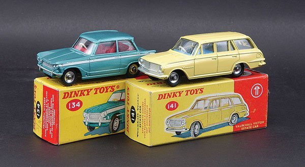 3004: Dinky Vauxhall and Triumph Cars