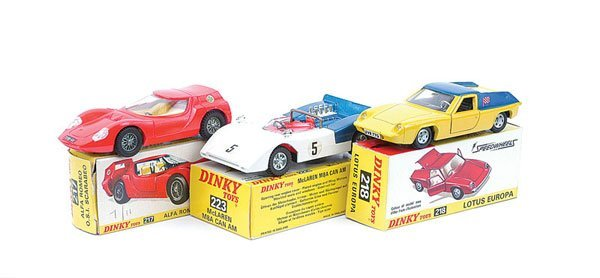 3011: Dinky - A Group of Sports Cars